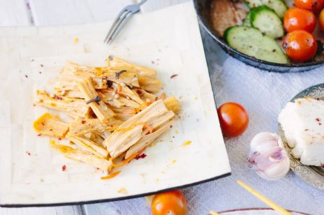 Yuba - wegetariański zamiennik kurczaka, czyli co jedzą wegetarianie