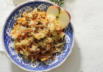 surowka-z-kapusty-i-jablkami-min (1)