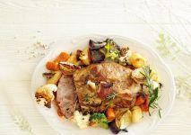 karkowka-pieczona-z-warzywami-min (1)