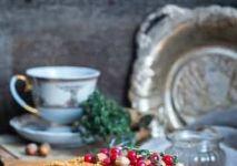 StockFood_12339710_Layout_Medovik_a_traditional_Russian_honey_cake-min