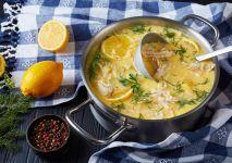 iStock-zupa-cytrynowa-z-ryzem--min (1)