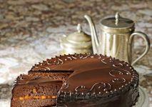 Ciasto czekoladowe - tort Sachera