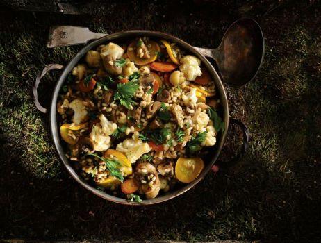 grzybowy-gulasz-z-peczakiem-min (1)