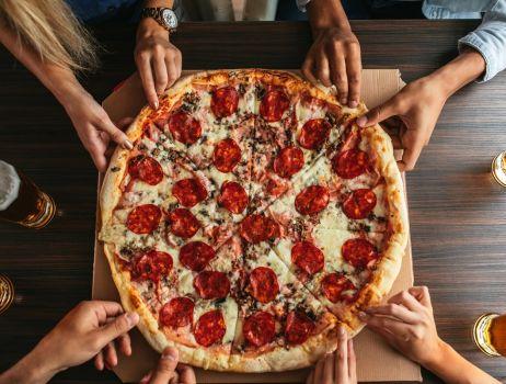 pizza-przekaski-impreza-min