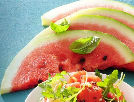 salatka-z-arbuzem-feta-oliwkami-i-rukola-2