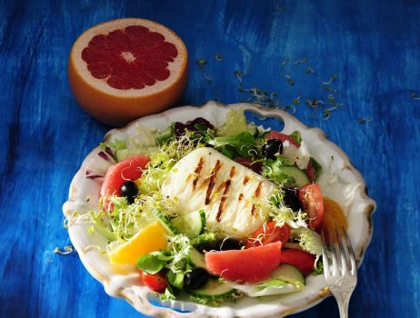 salatka-z-serem-halloumi-indeks-min