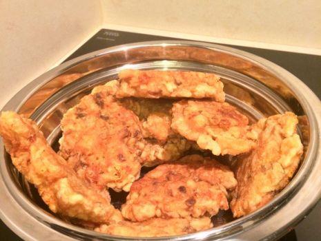 Przepis: Placki z piersi kurczaka i serem