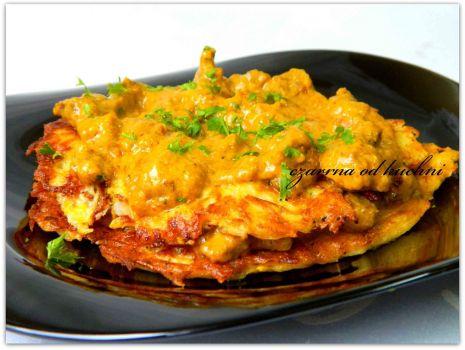 Przepis: Żółte placki z sosem curry