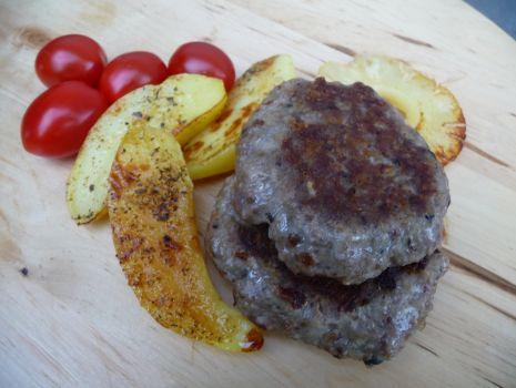 Przepis: Grillowane burgery z karkówki z dodatkiem grzybów i kaszy