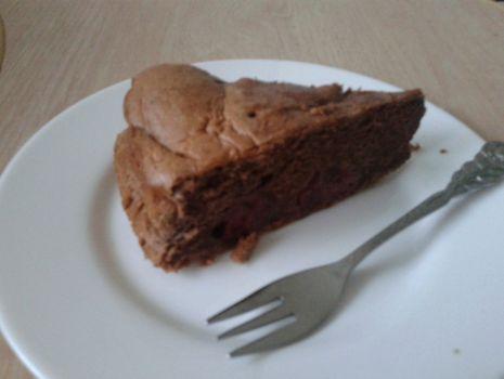 Przepis: Ciasto czekoladowe z wiśniami.