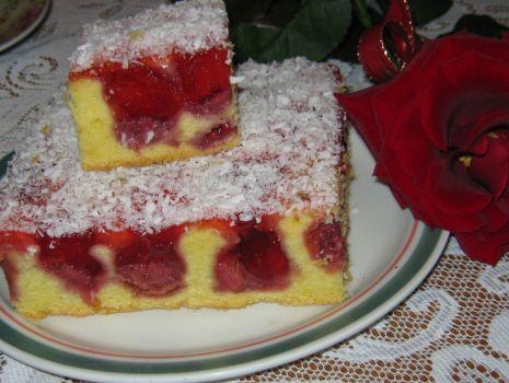 Przepis: Szybkie ciasto z truskawkami