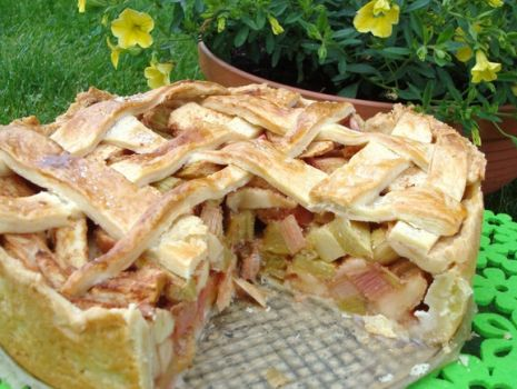 Przepis: Ciasto z rabarbarem i jabłkami