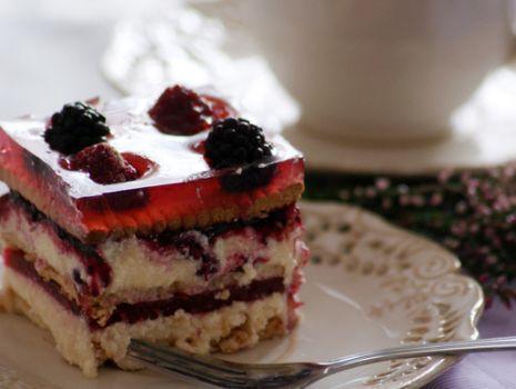 Przepis: Ciasto grysikowe na pożegnanie lata