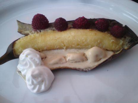 Przepis: Grillowane banany z malinami