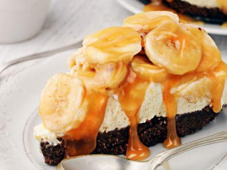 Przepis: Sernik z bananami i toffi