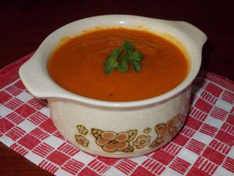 Przepis: Krem pomidorowo marchewkowy z pieprzem cayenne