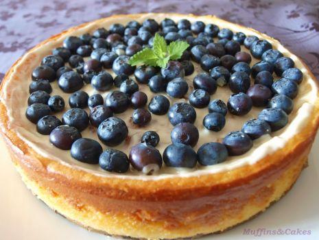 Przepis: Sernik z białą czekoladą i borowkami - bezglutenowy