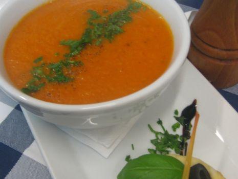 Przepis: Zupa krem z pomidorów malinowych