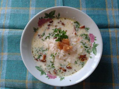 Przepis: Zupa serowa z kurkami i ryżem