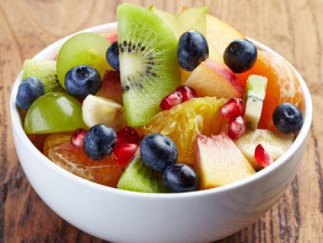 Przepis: Owocowa sałatka na lato