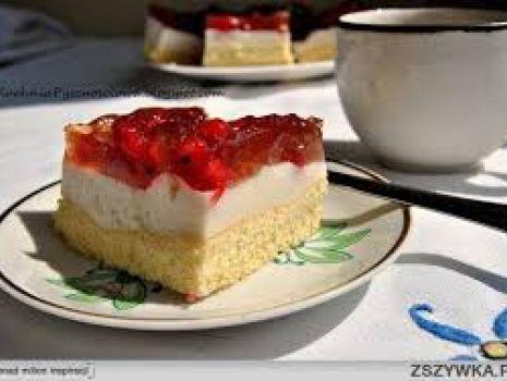 Przepis: Ciasto jogurtowe z galaretką