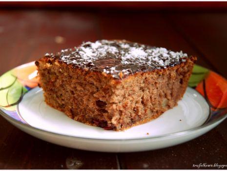 Przepis: Puszyste ciasto z dodatkami