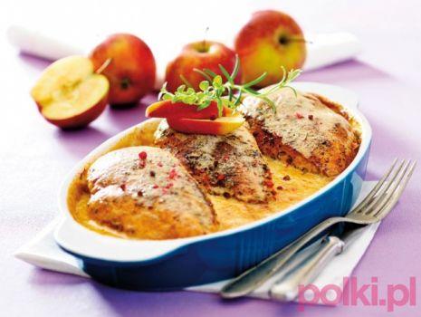 Przepis: Kurczak z jabłkami w kremowym sosie