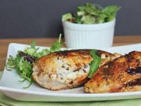 Przepis: Kieszonki z piersi kurczaka