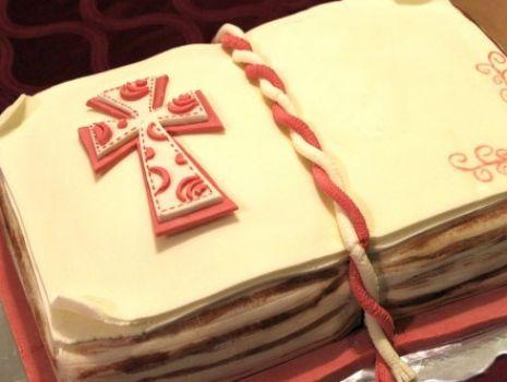 Przepis: Tort komunijny w kształcie książki