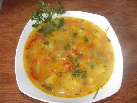 Przepis: Zupa warzywna z dynią i cukinią