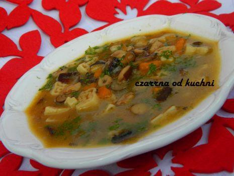 Przepis: Zupa potrójnie grzybowa