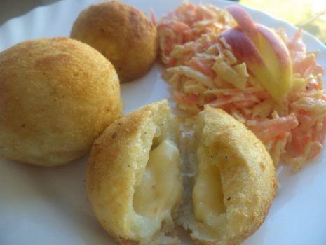 Przepis: Kulki ziemniaczane z serem żółtym