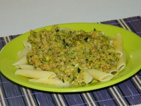 Przepis: Penne z zielonym sosem