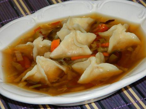 Przepis: Zupa chińska z pierożkami