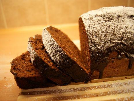 Przepis: Mocno czekoladowy murzynek z polewą czekoladową
