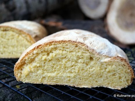 Przepis: Chleb kukurydziany na zaczynie poolish