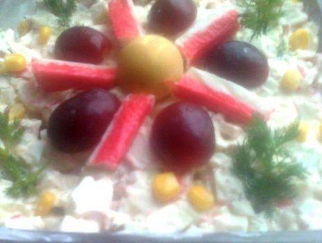 Przepis: Sałatka z paluszkami surimi