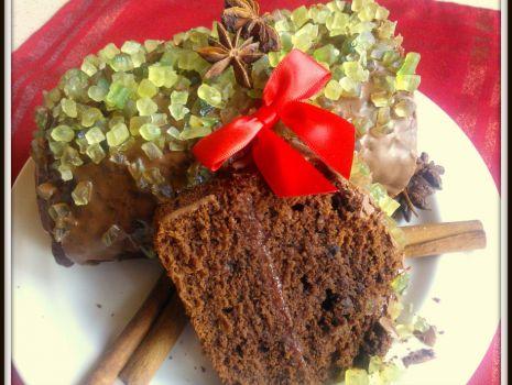 Przepis: Piernik z dżemem truskawkowym i kandyzowaną skórką z cytryny
