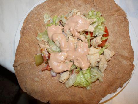 Przepis: Tortilla z kurczakiem i warzywami