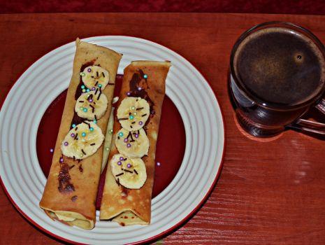Przepis: Naleśniki z czekoladą i bananem