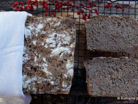 Przepis: Chleb na żytnim zakwasie z ziarnem orkiszu