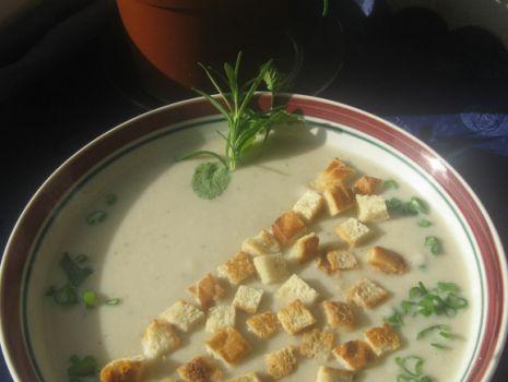 Przepis: Zupa krem z białych warzyw