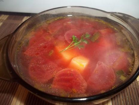 Przepis: Zupa z marynowanymi buraczkami