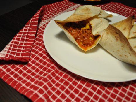 Przepis: Tortilla z sosem i mięsem mielonym