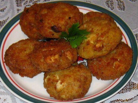 Przepis: Kotleciki mięsno - ryżowe z jajkiem