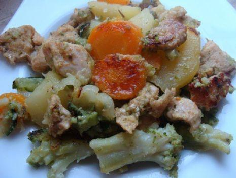 Przepis: Aromatyczny kurczak pieczony z warzywami
