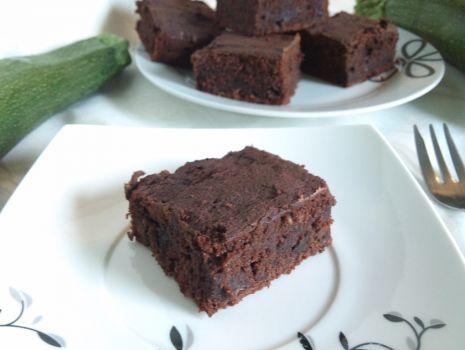 Przepis: Ciasto czekoladowe z cukinią