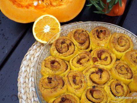 Przepis: Drożdżowe ślimaczki dyniowe z pomarańczą