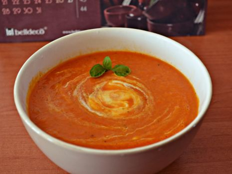 Przepis: Kremowa zupa pomidorowa