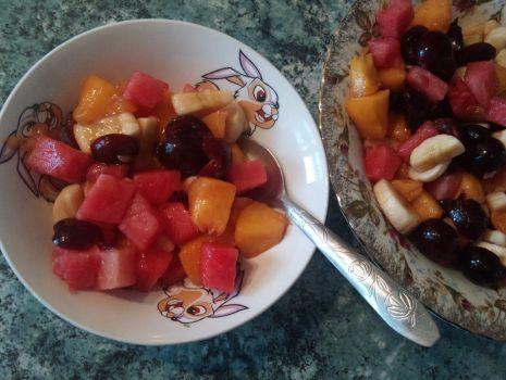 Przepis: Sałatka owocowa z czereśniami